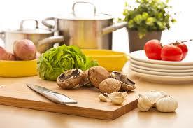 preparando comida saludable