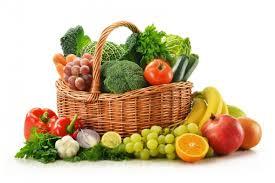 canasta con frutas y verduras