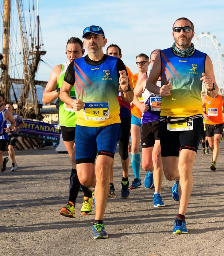 Hombres corriendo un maratón