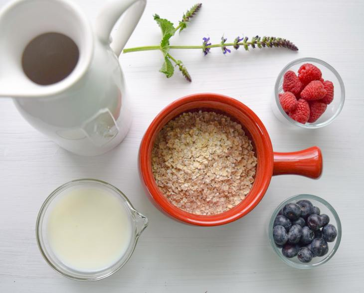 Ingredientes para preparar mug cake de avena