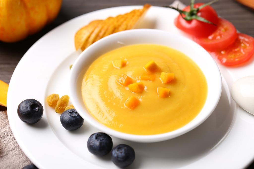 Sopa rica en proteína